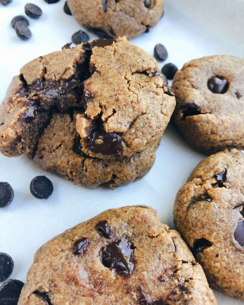 4 Ingredient Chocolate Chip Cookies: An extremely simple and wholesome classic chocolate chip cookie - gluten-free, dairy-free, and refined sugar-free! #healthycookie #easycookierecipe | www.jillzguerin.com