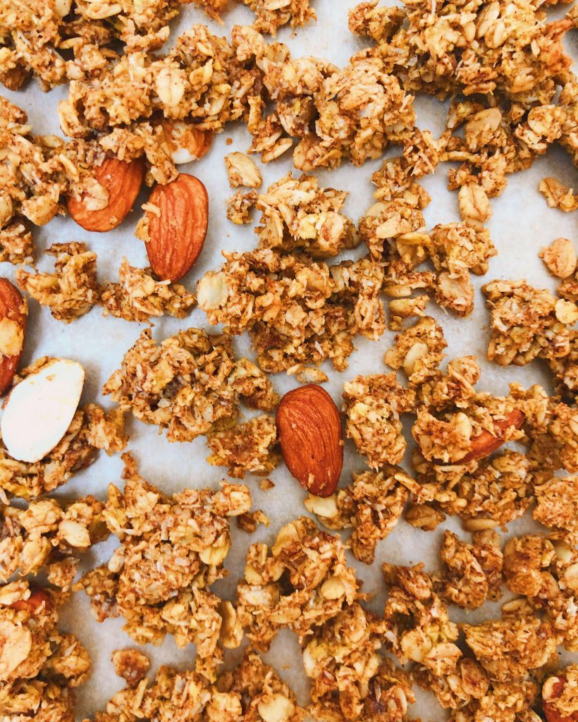 Healthy Pumpkin Granola: A gluten-free granola filled with delicious fall flavors! #healthygranola #pumpkin   www.jillzguerin.com