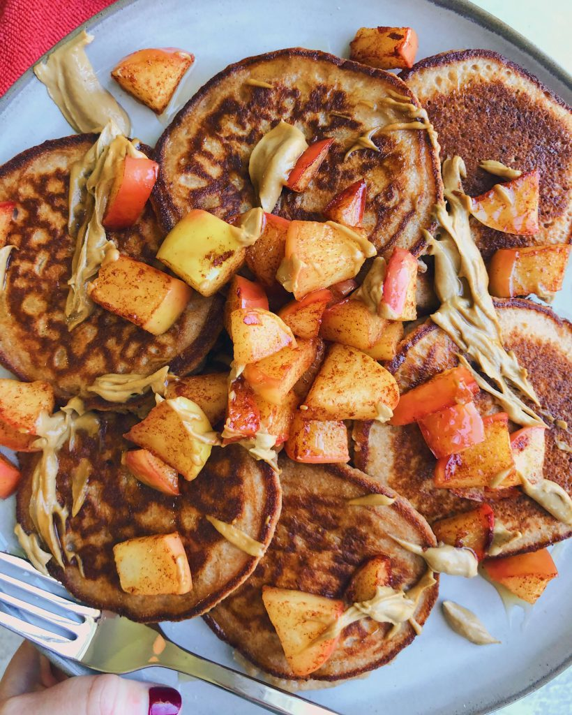 Cinnamon Apple Cassava Pancakes: A delicious weekend pancake recipe so perfect for a cozy, Fall morning. #healthypancakes #glutenfreepancakes | www.jillzguerin.com