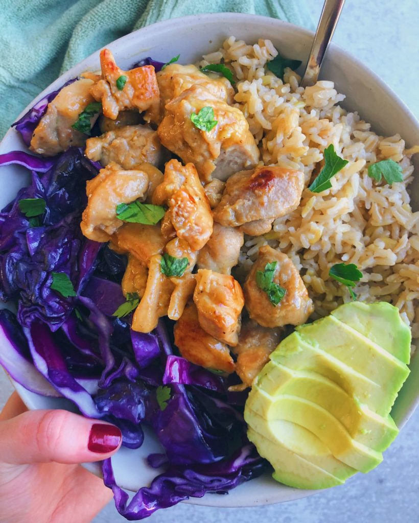 Easy Honey Mustard Chicken: An easy, healthy way to spice up a boring dish. #easychicken #easyrecipe | www.jillzguerin.com