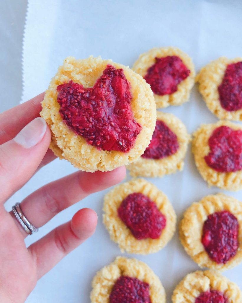 Strawberry Jam Cookies: healthy cookies that totally hit the spot and are OH SO REFRESHING! #healthycookies #glutenfreecookies | www.jillzguerin.com