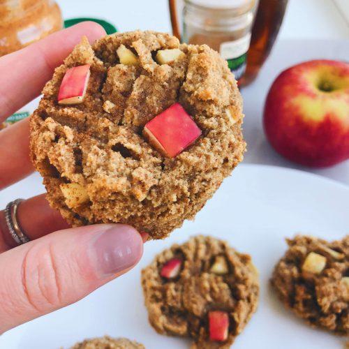 Cinnamon Apple Cookies: gluten-free, dairy-free, refined sugar-free! #healthycookies #fallbaking | www.jillzguerin.com