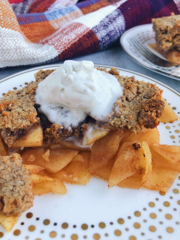 Healthy Gluten-Free Apple Crisp: A clean, delicious Fall dessert made with only the best ingredients! #healthydessert #falldessert   www.jillzguerin.com
