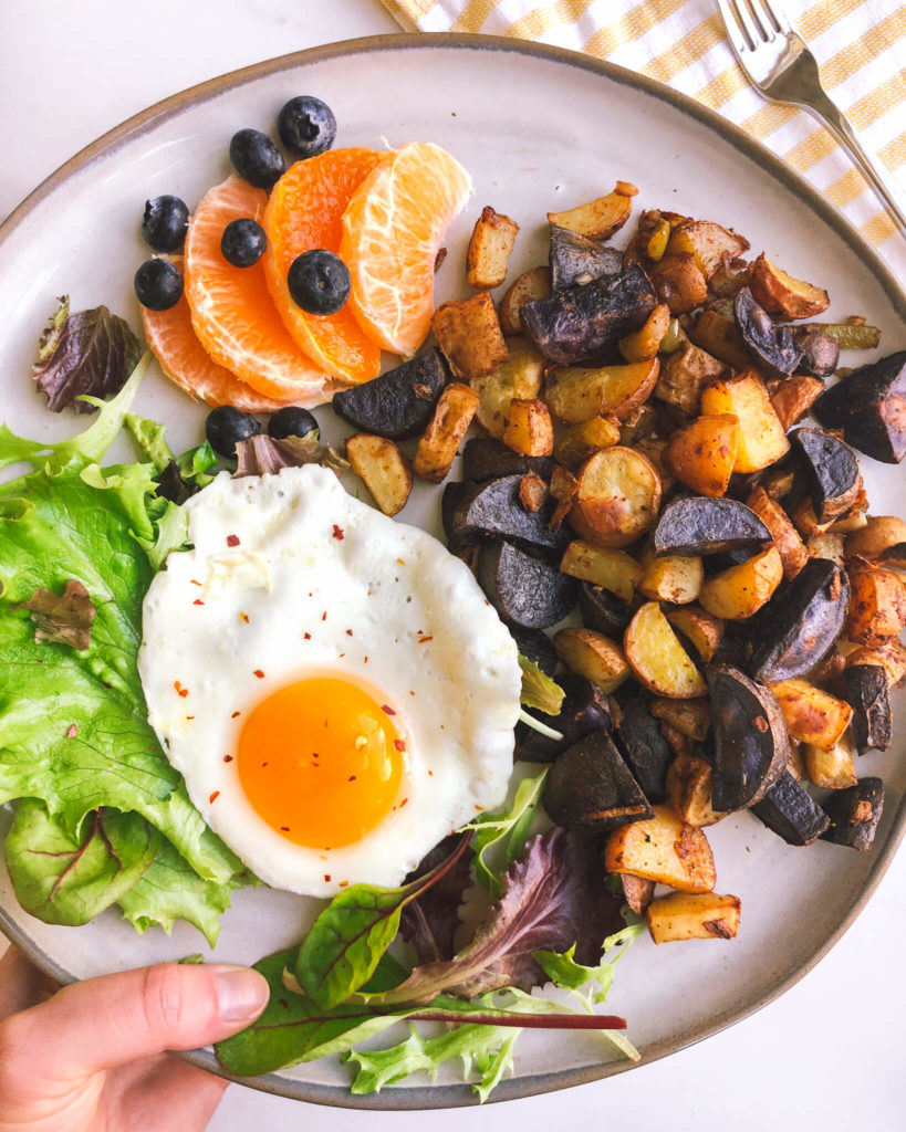 Spicy Chipotle Breakfast Potatoes: These breakfast potatoes have a little bit of heat from the chipotle and are such a yummy addition to breakfast...or any meal! #healthybreakfast #potatoes | www.jillzguerin.com