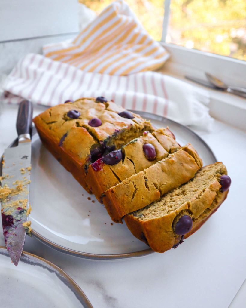 Banana Blueberry Bread: A healthy and delicious recipe made with only 6 ingredients! #healthydessert #minimalingredients #glutenfree | www.jillzguerin.com